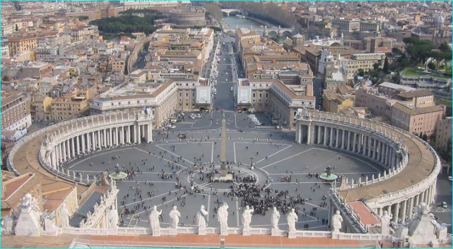 Petersplassen og Peterskirken 1